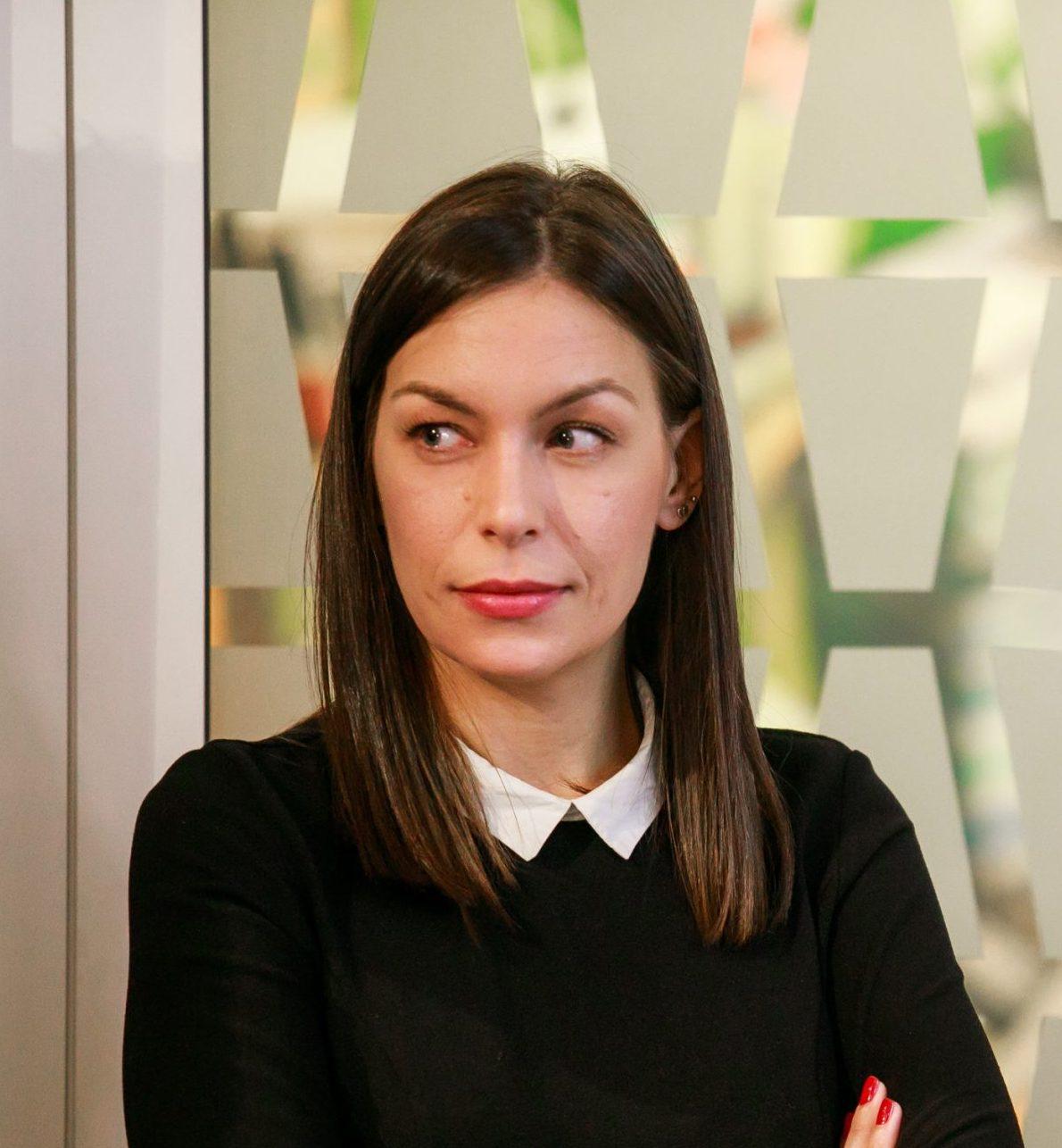 "<img src=""https://www.industrijavideosadrzaja.com/wp-content/uploads/2021/06/logo-Petlja-logo.png""width=""100""height=""100""><br>Katarina Anđelković"