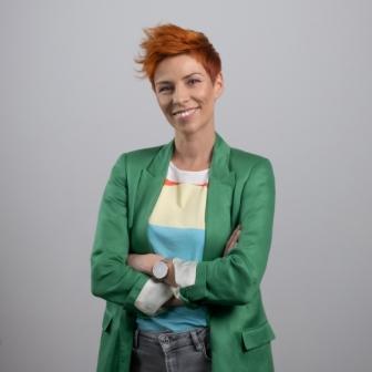 "<img src=""https://www.industrijavideosadrzaja.com/wp-content/uploads/2021/06/logo.png""width=""80""height=""100""><br>Sanja Radovanović"